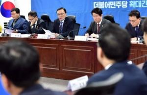 """민주당 옷입은 정치신인들 """"무난하게 공천하면, 무난하게 진다"""""""